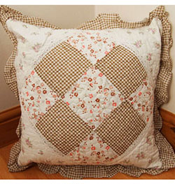 "22"" x 22"" Taupe Floral Gingham Patchwork Cushion Cover"