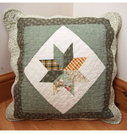"22"" x 22"" Green Star Gingham Patchwork Cushion Cover"