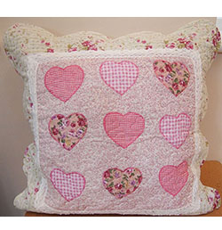 "18"" x 18"" Pink Heart Patchwork Cushion Cover"